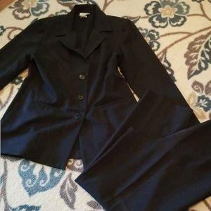 💥💥Blue Pinstripe Woman's Suit.